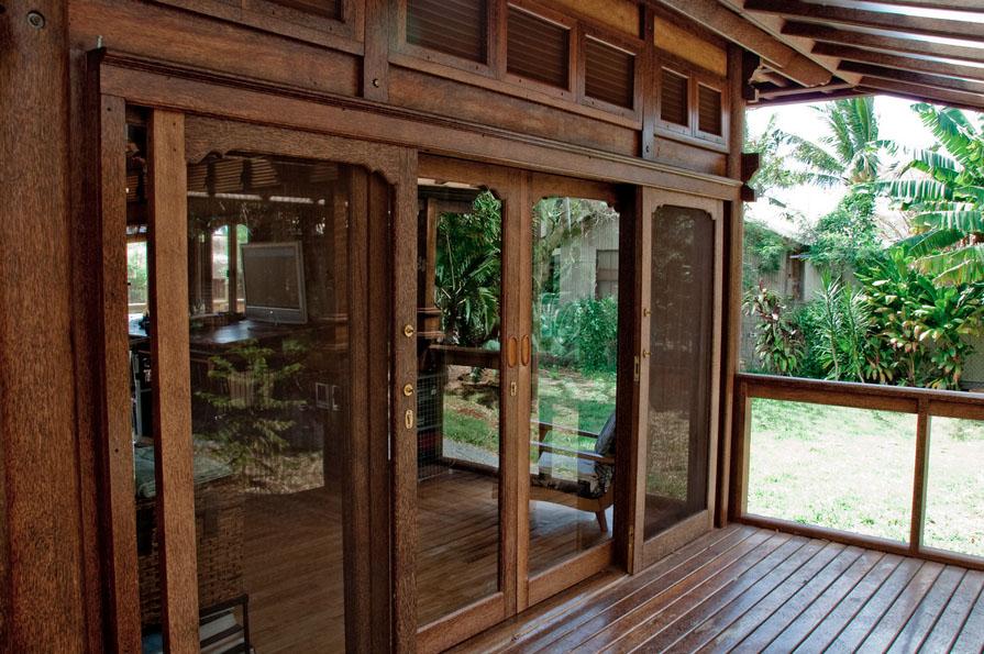Paia Ohana Eco Home Outside doors