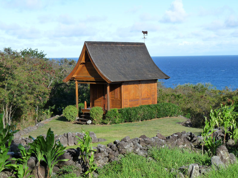 Kaupo Ohana Outside View - Prefab Cottage Eco Tiny Home by Mandala Eco Homes