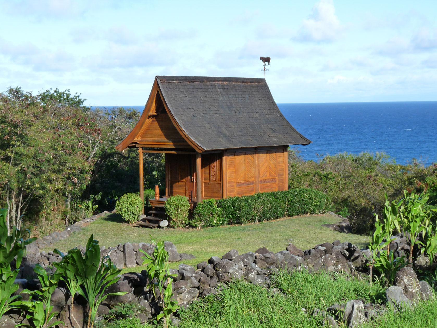 mandala-kaupo-cottage-full-view-with-sea